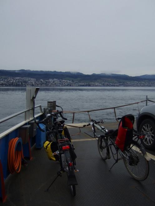 Auf der Fähre zwischen Meilen und Horgen auf dem Zürichsee.