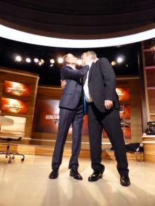 Viktor und Mike nach der Sendung bei der zweiten Verabschiedung. Sie haben sich gern :-)